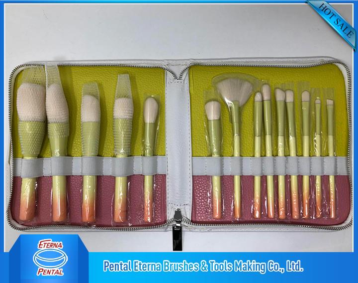 Cosmetic brush-CB-009